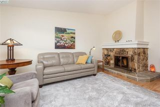 Photo 3: 22 4140 Interurban Road in VICTORIA: SW Strawberry Vale Townhouse for sale (Saanich West)  : MLS®# 388613
