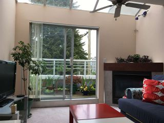 Photo 2: 305 3319 KINGSWAY in Vancouver: Collingwood VE Condo for sale (Vancouver East)  : MLS®# R2264939