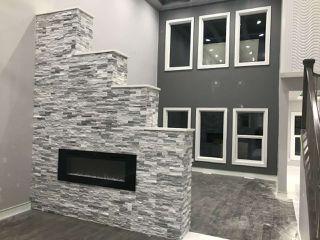 Photo 2: 1291 Adamson Drive in Edmonton: Zone 55 House for sale : MLS®# E4111015