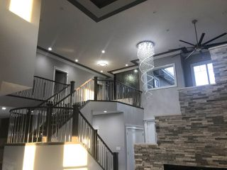 Photo 3: 1291 Adamson Drive in Edmonton: Zone 55 House for sale : MLS®# E4111015