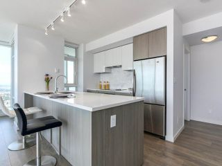 """Photo 11: 3802 6461 TELFORD Avenue in Burnaby: Metrotown Condo for sale in """"METROPLACE"""" (Burnaby South)  : MLS®# R2275122"""