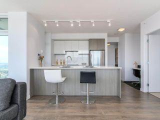 """Photo 10: 3802 6461 TELFORD Avenue in Burnaby: Metrotown Condo for sale in """"METROPLACE"""" (Burnaby South)  : MLS®# R2275122"""