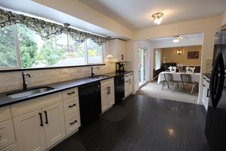 "Photo 6: 19921 46 Avenue in Langley: Langley City House for sale in ""Mason Heights"" : MLS®# R2281158"