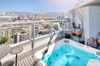 "Photo 3: 2503 1775 QUEBEC Street in Vancouver: Mount Pleasant VE Condo for sale in ""OPSAL"" (Vancouver East)  : MLS®# R2281959"