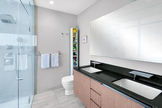 "Photo 18: 2503 1775 QUEBEC Street in Vancouver: Mount Pleasant VE Condo for sale in ""OPSAL"" (Vancouver East)  : MLS®# R2281959"