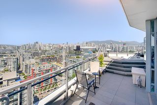 "Photo 6: 2503 1775 QUEBEC Street in Vancouver: Mount Pleasant VE Condo for sale in ""OPSAL"" (Vancouver East)  : MLS®# R2281959"