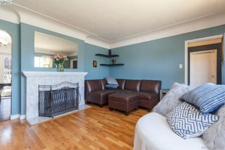 Photo 4: 3855 Seaton St in VICTORIA: SW Tillicum House for sale (Saanich West)  : MLS®# 793138