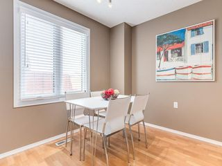 Photo 3: 1 3620 51 Street SW in Calgary: Glenbrook Row/Townhouse for sale : MLS®# C4198558
