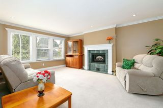 "Photo 3: 1967 WADDELL Avenue in Port Coquitlam: Lower Mary Hill House for sale in ""LOWER MARY HILL"" : MLS®# R2297127"