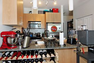 "Photo 4: 405 2943 NELSON Place in Abbotsford: Central Abbotsford Condo for sale in ""Edgebrook"" : MLS®# R2299096"