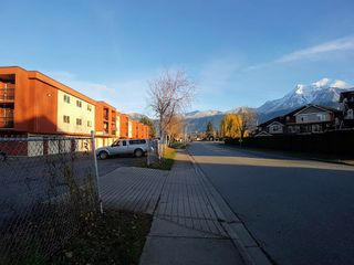 "Main Photo: 335 1735 AGASSIZ-ROSEDALE Highway: Agassiz Condo for sale in ""WOODSIDE TERRACE"" : MLS®# R2326121"