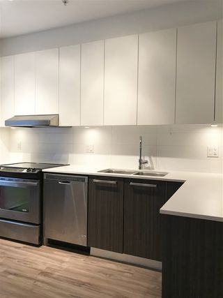 """Photo 5: 22 6868 BURLINGTON Avenue in Burnaby: Metrotown Townhouse for sale in """"METRO"""" (Burnaby South)  : MLS®# R2328516"""