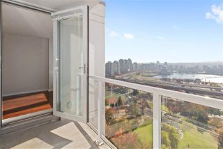 "Main Photo: 2309 550 TAYLOR Street in Vancouver: Downtown VW Condo for sale in ""THE TAYLOR"" (Vancouver West)  : MLS®# R2329600"
