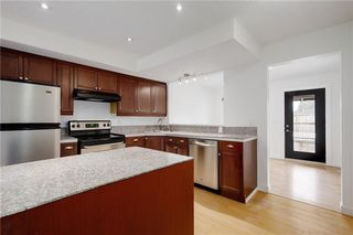 Photo 8: 3115 43 Street SW in Calgary: Glenbrook Detached for sale : MLS®# C4222106