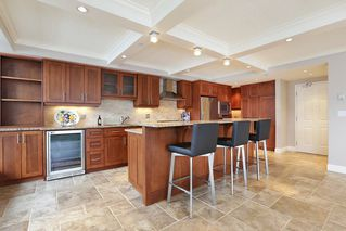 Photo 5: 1001 108 E 14TH Street in North Vancouver: Central Lonsdale Condo for sale : MLS®# R2334437