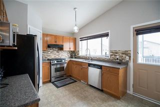 Photo 9: 140 William Gibson Bay in Winnipeg: Canterbury Park Residential for sale (3M)  : MLS®# 1905929