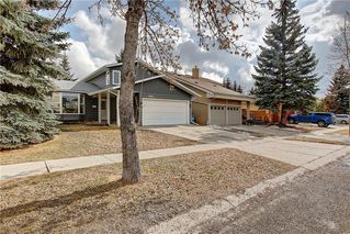 Photo 1: 13608 DEER RUN Boulevard SE in Calgary: Deer Run Detached for sale : MLS®# C4235828