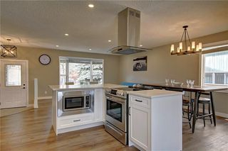 Photo 10: 13608 DEER RUN Boulevard SE in Calgary: Deer Run Detached for sale : MLS®# C4235828