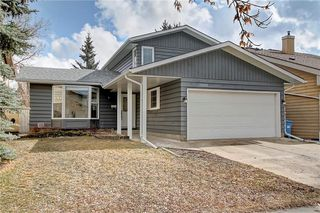 Photo 2: 13608 DEER RUN Boulevard SE in Calgary: Deer Run Detached for sale : MLS®# C4235828