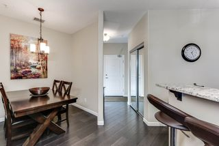 Photo 3: 211 6083 MAYNARD Way in Edmonton: Zone 14 Condo for sale : MLS®# E4150429