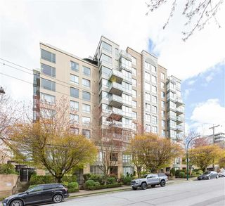 "Main Photo: 704 2288 PINE Street in Vancouver: Fairview VW Condo for sale in ""The Fairview"" (Vancouver West)  : MLS®# R2357401"