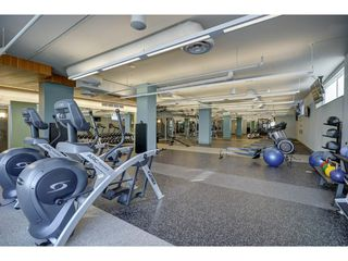 "Photo 15: 503 112 E 13TH Street in North Vancouver: Central Lonsdale Condo for sale in ""CENTERVIEW"" : MLS®# R2358971"
