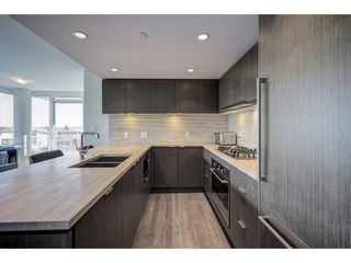 "Photo 7: 503 112 E 13TH Street in North Vancouver: Central Lonsdale Condo for sale in ""CENTERVIEW"" : MLS®# R2358971"