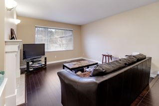 "Photo 5: 111 2880 PANORAMA Drive in Coquitlam: Westwood Plateau Townhouse for sale in ""Greyhawke"" : MLS®# R2360694"