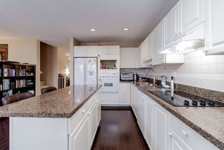 "Photo 11: 111 2880 PANORAMA Drive in Coquitlam: Westwood Plateau Townhouse for sale in ""Greyhawke"" : MLS®# R2360694"