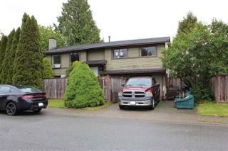 Photo 1: 2886 WOODLAND Drive in Langley: Willoughby Heights House for sale : MLS®# R2366961
