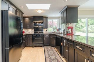 "Photo 14: 34661 WALKER Crescent in Abbotsford: Abbotsford East House for sale in ""Skyline"" : MLS®# R2369860"
