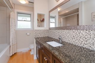 "Photo 32: 34661 WALKER Crescent in Abbotsford: Abbotsford East House for sale in ""Skyline"" : MLS®# R2369860"