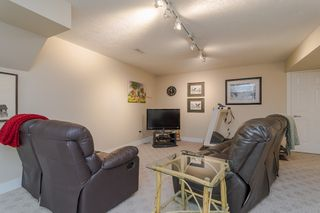 "Photo 36: 34661 WALKER Crescent in Abbotsford: Abbotsford East House for sale in ""Skyline"" : MLS®# R2369860"