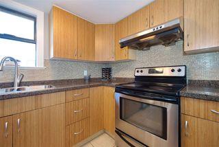 "Photo 13: 301 3010 ONTARIO Street in Vancouver: Mount Pleasant VE Condo for sale in ""Mt Pleasant"" (Vancouver East)  : MLS®# R2371801"