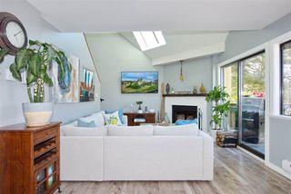 "Photo 2: 301 3010 ONTARIO Street in Vancouver: Mount Pleasant VE Condo for sale in ""Mt Pleasant"" (Vancouver East)  : MLS®# R2371801"