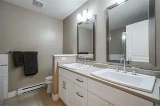 """Photo 11: 2 15454 32 Avenue in Surrey: Grandview Surrey Townhouse for sale in """"Nuvo"""" (South Surrey White Rock)  : MLS®# R2401972"""