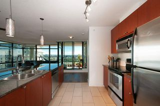 """Photo 15: 1405 610 VICTORIA Street in New Westminster: Downtown NW Condo for sale in """"The Point"""" : MLS®# R2402768"""