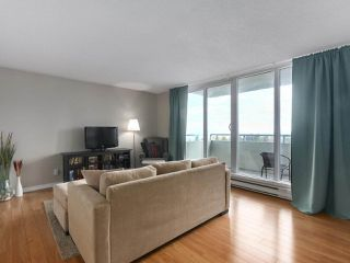 """Photo 4: 1406 4160 SARDIS Street in Burnaby: Central Park BS Condo for sale in """"Central Park Place"""" (Burnaby South)  : MLS®# R2428333"""