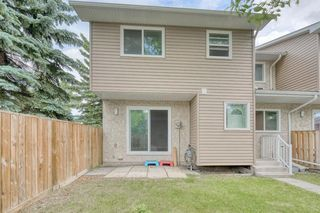 Photo 2: 72 5520 1 Avenue SE in Calgary: Penbrooke Meadows Row/Townhouse for sale : MLS®# A1018683