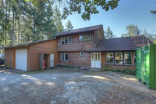 Photo 2: 1624 Millstream Rd in : Hi Western Highlands Single Family Detached for sale (Highlands)  : MLS®# 854148