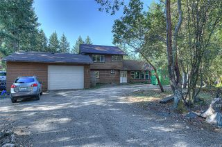 Photo 3: 1624 Millstream Rd in : Hi Western Highlands Single Family Detached for sale (Highlands)  : MLS®# 854148