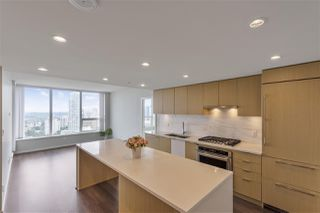 """Photo 4: 3502 5883 BARKER Avenue in Burnaby: Metrotown Condo for sale in """"ALDYNNE ON PARK"""" (Burnaby South)  : MLS®# R2507437"""