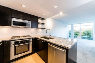 """Photo 8: 203 1455 GEORGE Street: White Rock Condo for sale in """"Avra"""" (South Surrey White Rock)  : MLS®# R2510958"""