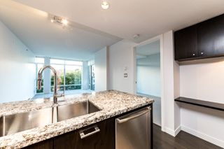 """Photo 5: 203 1455 GEORGE Street: White Rock Condo for sale in """"Avra"""" (South Surrey White Rock)  : MLS®# R2510958"""