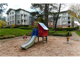 "Photo 9: 108 4885 VALLEY Drive in Vancouver: Quilchena Condo for sale in ""MACLURE HOUSE"" (Vancouver West)  : MLS®# V884560"