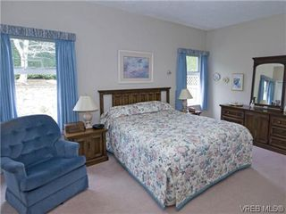Photo 11: 7972 Polo Park Crescent in SAANICHTON: CS Saanichton Residential for sale (Central Saanich)  : MLS®# 312131