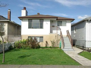 Photo 1: 2479 E GEORGIA Street in Vancouver: Renfrew VE House for sale (Vancouver East)  : MLS®# V1055540