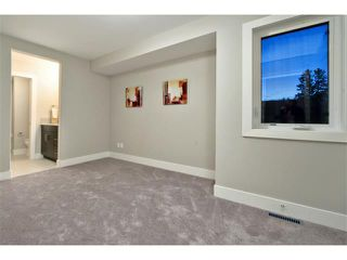 Photo 3: 712 19 Avenue NW in Calgary: Mount Pleasant House for sale : MLS®# C3656389