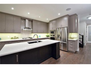 Photo 11: 712 19 Avenue NW in Calgary: Mount Pleasant House for sale : MLS®# C3656389