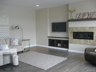Photo 2: 205 Shady Shores Drive in WINNIPEG: Transcona Residential for sale (North East Winnipeg)  : MLS®# 1507701